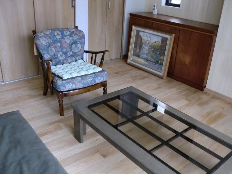 千葉県・個人住宅 オークの床材を施工することで、リビングは落ち着いた雰囲気になりました。