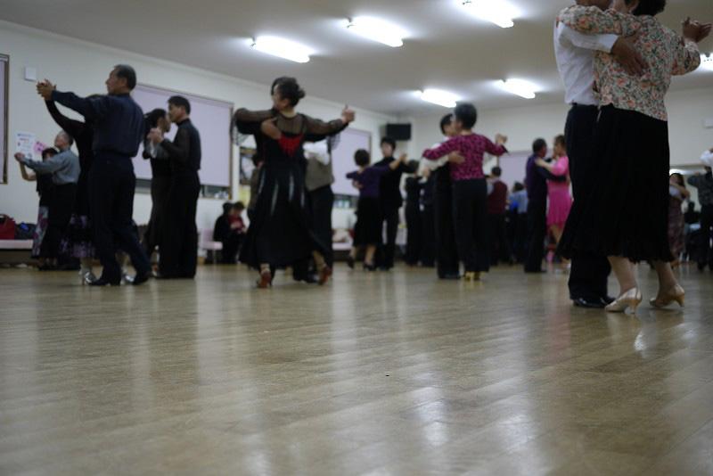 ダンススクールの床材にご採用頂きました!