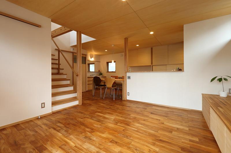 新潟県・個人住宅 広々としたリビングですね!