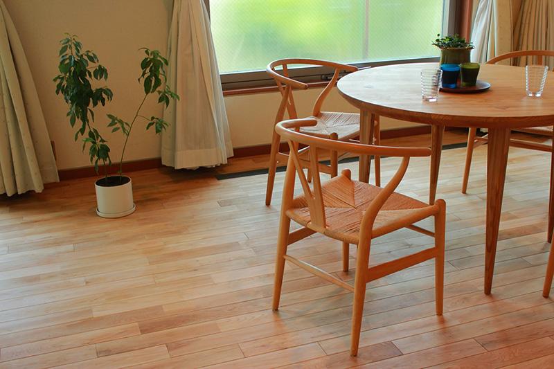 観葉植物もナチュラルな空間作りに一役買っています。