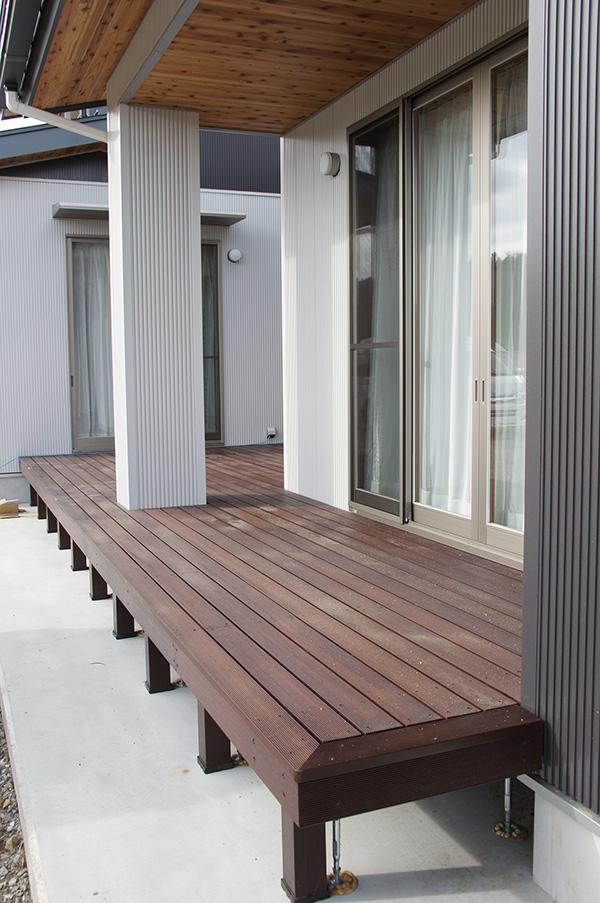 福島県・個人住宅  H様邸 オスモカラー・ウッドステインプロテクター #727 ローズウッド色で仕上げました!