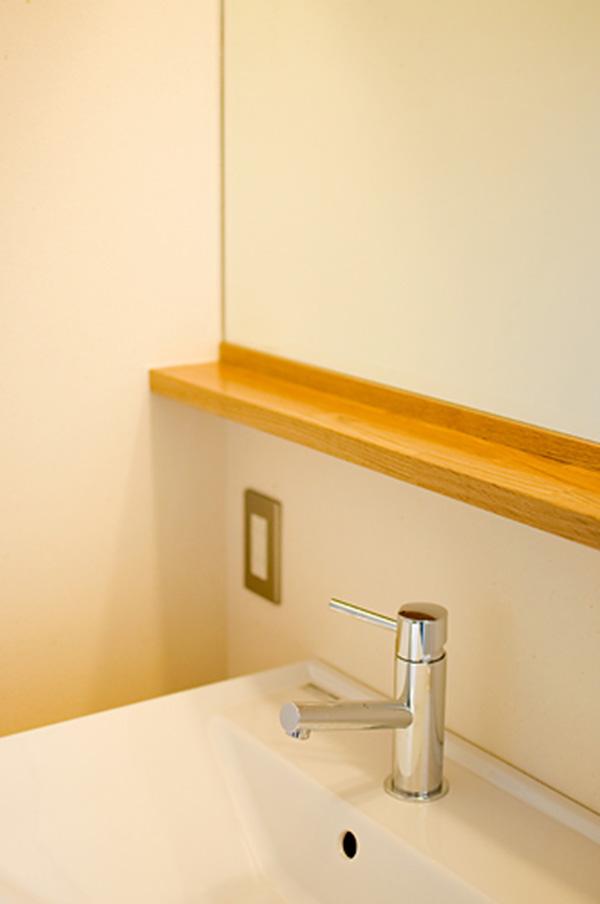 新潟県・個人住宅 洗面台の枠にアガチスをご採用頂きました!