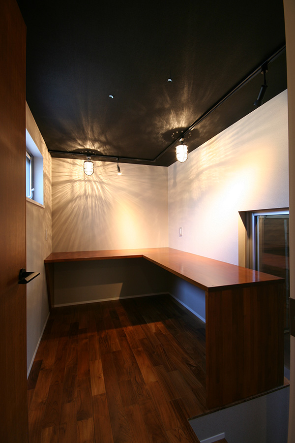 高級感満載の雰囲気が感じられるお部屋ですね!