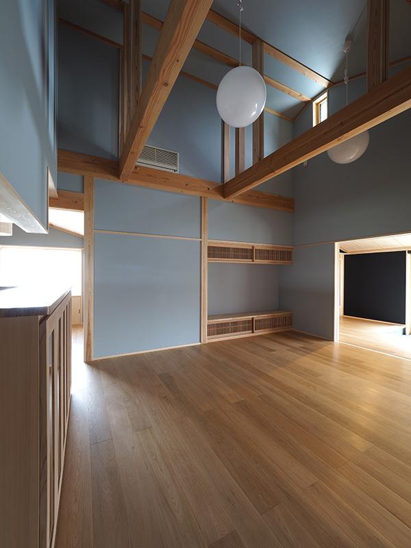 平屋建てということで、天井も高くとっており、広々とした空間ですね!