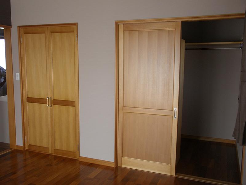 収納棚も十分な大きさが確保してあり、収納スペースには困らなそうですね!