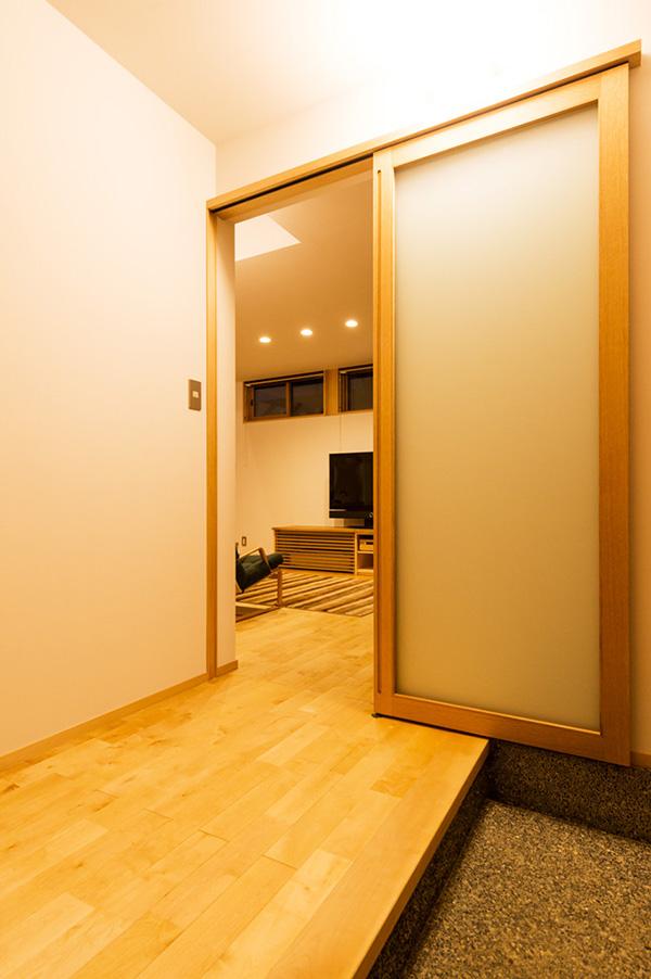 新潟県・個人住宅 ドア枠、建具枠、巾木にアガチスをご採用頂きました。