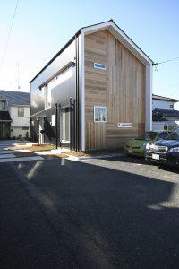 福島県・個人住宅 K様邸 外壁にご採用頂きました。ウッディーな温かみのある雰囲気が感じられます。